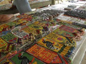 プナン族のビーズ細工の民芸品